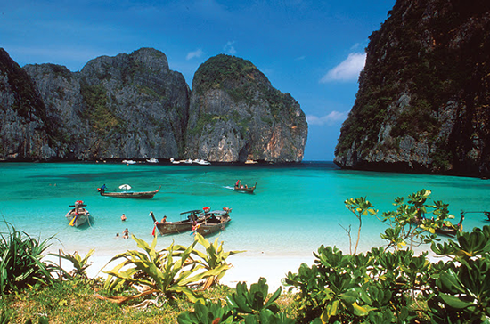 Koh Phi Phi Island – The Phuket's Most Famous